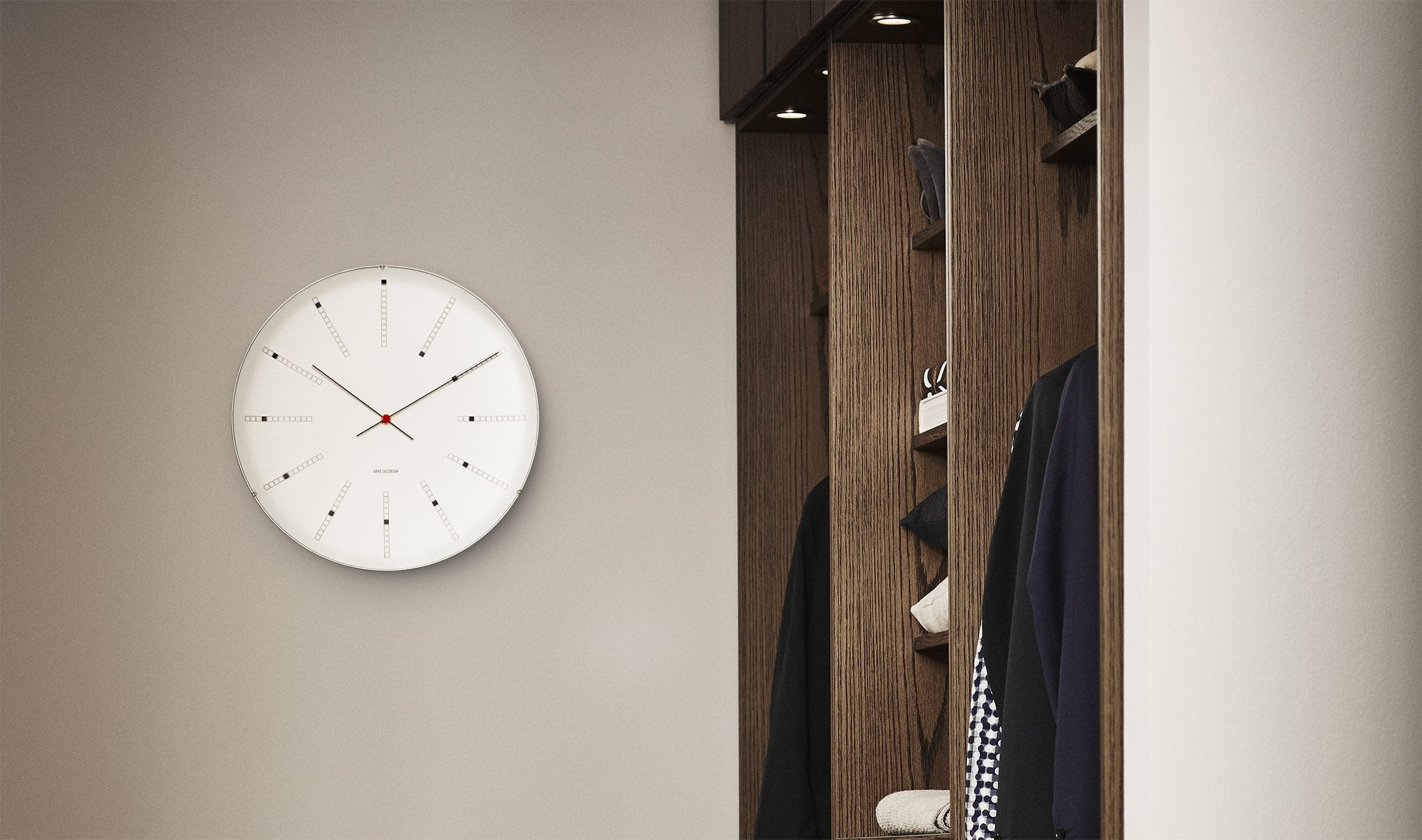 8400ae29 Veggklokker - Kjøp veggur og store veggklokker i utsøkt design online
